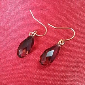 Jewelry - Larger plum crystal earrings
